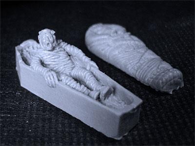 rising-mummy-resin